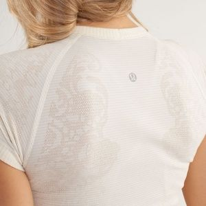 Lululemon Run Swiftly  Short Sleeve Crew Top Lace